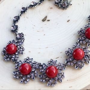 Jewelry - 🆕 Red Floral Necklace